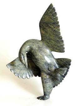 Statuette inuit d'oie dansante. Source : http://data.abuledu.org/URI/51337f00-statuette-inuit-d-oie-dansante