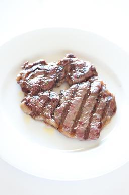 Steak. Source : http://data.abuledu.org/URI/509bdd1f-steak
