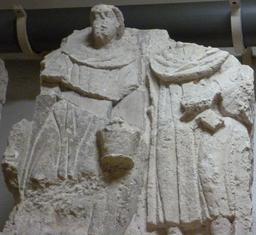Stèle funéraire à Bordeaux. Source : http://data.abuledu.org/URI/5587b8c3-stele-funeraire-a-bordeaux
