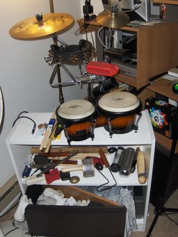 Studio de percussionniste. Source : http://data.abuledu.org/URI/5307289a-studio-de-percussionniste