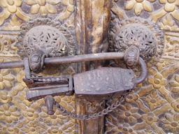 Système de fermeture médiéval. Source : http://data.abuledu.org/URI/532f45ff-systeme-de-fermeture-medieval
