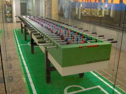 Table de baby-foot à Berlin. Source : http://data.abuledu.org/URI/53cc2c05-table-de-ping-pong-a-berlin