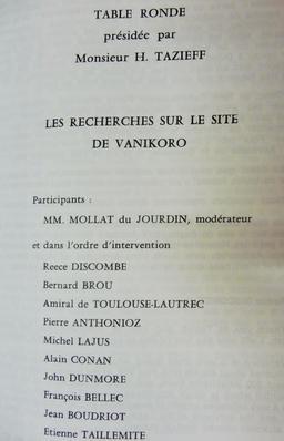 Table-ronde sur les recherches concernant Lapérouse en 1985. Source : http://data.abuledu.org/URI/596e399e-table-ronde-sur-les-recherches-concernant-laperouse-en-1985