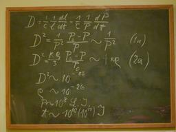 Tableau utilisé par Albert Einstein. Source : http://data.abuledu.org/URI/503d3a64-tableau-jpg