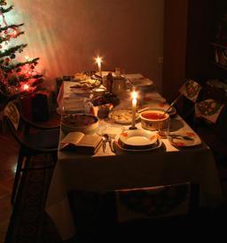 Tablée de Noël en Pologne. Source : http://data.abuledu.org/URI/548f216f-tablee-de-noel-en-pologne