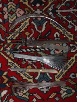 Tapis et outils de tissage. Source : http://data.abuledu.org/URI/532efb4e-tapis-et-outils-de-tissage