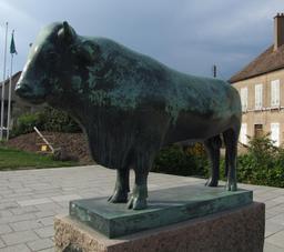 Taureau en bronze. Source : http://data.abuledu.org/URI/52b202ed-taureau-en-bronze