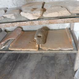 Tegulae de la villa gallo-romaine de Loupiac-33. Source : http://data.abuledu.org/URI/599ab360-tegulae-de-la-villa-gallo-romaine-de-loupiac-33