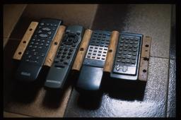 Télécommandes. Source : http://data.abuledu.org/URI/52dae9aa-telecommandes