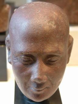 Tête de vieil homme. Source : http://data.abuledu.org/URI/52ea6225-tete-de-vieil-homme