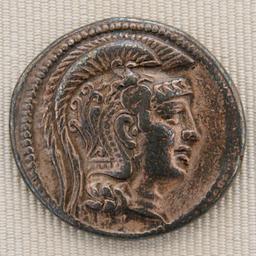 Tétradrachme d'Athéna en argent. Source : http://data.abuledu.org/URI/50c64ca1-tetradrachme-d-athena-en-argent