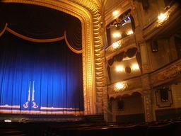 Salle de théâtre. Source :