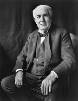 Portrait de Thomas Edison en 1922. Source : http://data.abuledu.org/URI/537233a9-thomas-edison