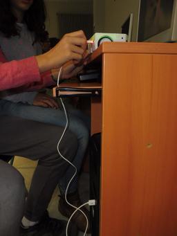 Thymio au collège Calandreta. Source : http://data.abuledu.org/URI/58d7978f-thymio-au-college-calandreta