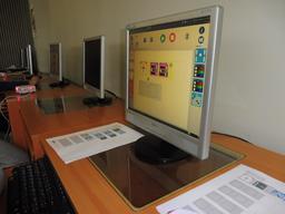 Thymio au collège Calandreta. Source : http://data.abuledu.org/URI/58d7a1c0-thymio-au-college-calandreta