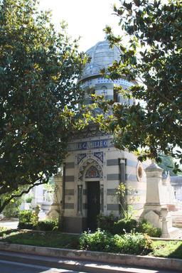 Tombe de Camille Olive, par Pascal Coste. Source : http://data.abuledu.org/URI/5651f796-tombe-de-camille-olive-par-pascal-coste