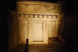 Tombe de Philippe II de Macédoine à Vergina. Source : http://data.abuledu.org/URI/50c49676-tombe-de-philippe-ii-de-macedoine-a-vergina