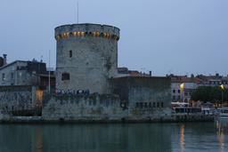 Tour de la Chaîne le soir à La Rochelle. Source : http://data.abuledu.org/URI/5826244b-tour-de-la-chaine-le-soir-a-la-rochelle