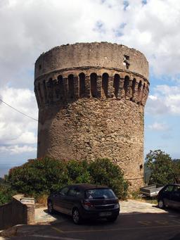 Tour della Parocchia à Rogliano. Source : http://data.abuledu.org/URI/51d1be54-tour-della-parocchia-a-rogliano