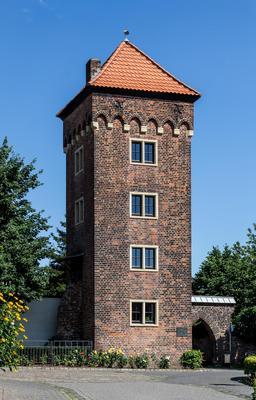 Tour en briques à Dülmen. Source : http://data.abuledu.org/URI/56864fdd-tour-en-briques-a-dulmen