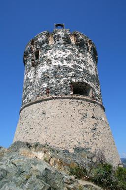 Tour génoise de la Parata à Ajaccio. Source : http://data.abuledu.org/URI/51caa47f-tour-genoise-de-la-parata-a-ajaccio