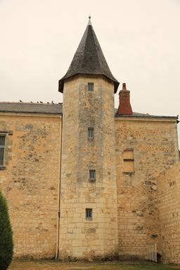 Tour octogonale du château de Sainte-Maure-de-Touraine. Source : http://data.abuledu.org/URI/55ddbae7-tour-octogonale-du-chateau-de-sainte-maure-de-touraine