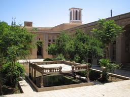 Tours à vent en Iran. Source : http://data.abuledu.org/URI/595501a9-tours-a-vent-en-iran