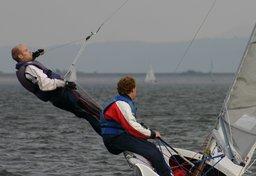Trapèze de voilier. Source : http://data.abuledu.org/URI/503a3e88-trapeze-de-voilier
