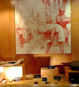 Travail de l'os au musée archéologique de Dijon. Source : http://data.abuledu.org/URI/56ced7dc-travail-de-l-os-au-musee-archeologique-de-dijon