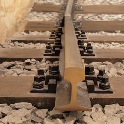 Traverses de chemin de fer en bois. Source : http://data.abuledu.org/URI/51328dc1-traverses-de-chemin-de-fer-en-bois