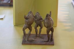 Trois grenouilles font un pacte. Source : http://data.abuledu.org/URI/543bfc23-trois-grenouilles-font-un-pacte