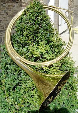 Trompe de chasse. Source : http://data.abuledu.org/URI/50ec4af4-trompe-de-chasse