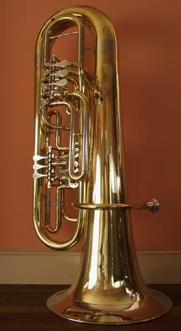 Tuba. Source : http://data.abuledu.org/URI/50ec4c6b-tuba