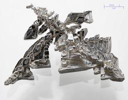 Un cristal artificiel d'argent pur. Source : http://data.abuledu.org/URI/505a3167-un-cristal-artificiel-d-argent-pur