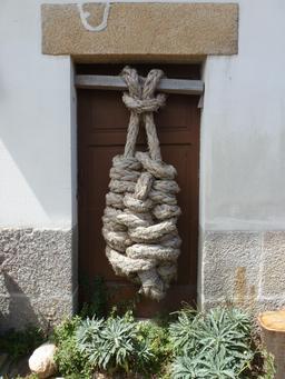 Un sac de noeuds. Source : http://data.abuledu.org/URI/55ded438-un-sac-de-noeuds