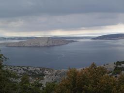 Une des mille îles de Croatie. Source : http://data.abuledu.org/URI/556103a1-une-des-mille-iles-de-croatie-
