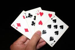 Une main de quatre sept. Source : http://data.abuledu.org/URI/53b6e11a-une-main-de-quatre-sept