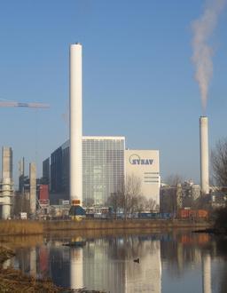 Usine d'incinération en Suède. Source : http://data.abuledu.org/URI/510e9e95-usine-d-incineration-en-suede