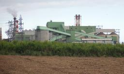 Usine sucrière du Gol à La Réunion. Source : http://data.abuledu.org/URI/521a49de-usine-sucriere-du-gol-a-la-reunion