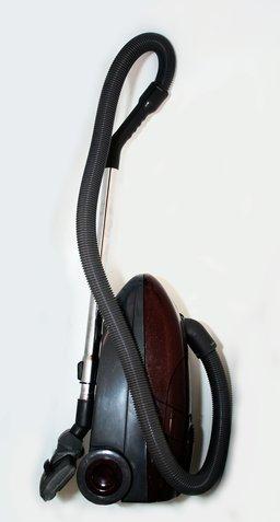 Aspirateur. Source : http://data.abuledu.org/URI/503a5b26-vacuum-cleaner-jpg