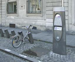 Vélib' à Paris. Source : http://data.abuledu.org/URI/53e2c2dd-velib-a-paris