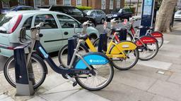 Vélos publics à Londres. Source : http://data.abuledu.org/URI/565496da-velos-publics-a-londres