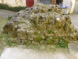 Vestige du rempart antique à Bordeaux. Source : http://data.abuledu.org/URI/58297fbe-vestige-du-rempart-antique-a-bordeaux