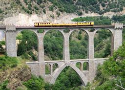 Viaduc ferroviaire Séjourné à Fontpédrouse. Source : http://data.abuledu.org/URI/564590a5-viaduc-sejourne-a-fontpedrouse