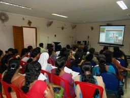 Vidéo conférence en Inde. Source : http://data.abuledu.org/URI/527e849b-video-conference-en-inde