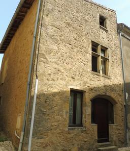 Vieille maison de Saint-Macaire-33. Source : http://data.abuledu.org/URI/599a998d-vieille-maison-de-saint-macaire-33