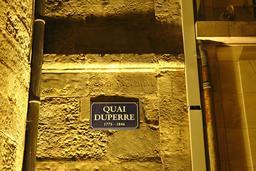 Vieux-Port de La Rochelle de nuit. Source : http://data.abuledu.org/URI/58262b47-vieux-port-de-la-rochelle-de-nuit