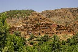 Village berbère au Maroc. Source : http://data.abuledu.org/URI/501c43f0-village-berbere-au-maroc