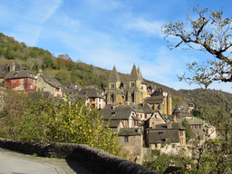 Village de Conques dans l'Aveyron. Source : http://data.abuledu.org/URI/53b13848-village-de-conques-dans-l-aveyron