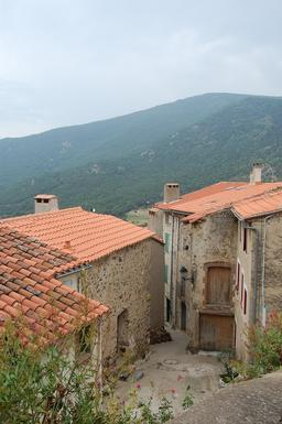 Village pyrénéen. Source : http://data.abuledu.org/URI/590a3f5a-village-pyreneen